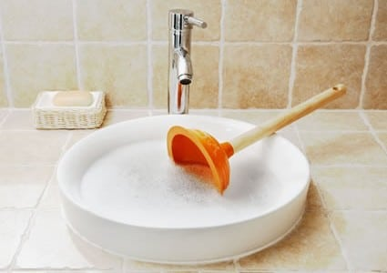 Débouchage d'une canalisation à l'eau bouillante