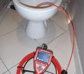 Une caméra à fibre optique dans votre canalisation