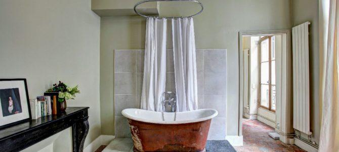 Quelles sont les méthodes les plus efficaces pour déboucher une baignoire ?